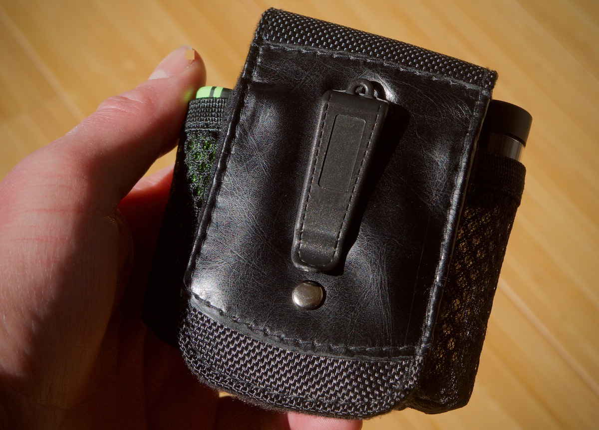 ArGo: the case comes with a belt clip